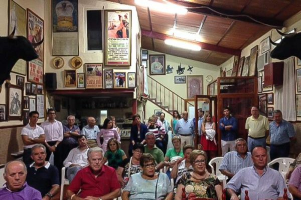 ROBAN EN LA SEDE DE LA PEÑA TAURINA «ANÍBAL RUIZ» DE ALCÁZAR DE SAN JUAN